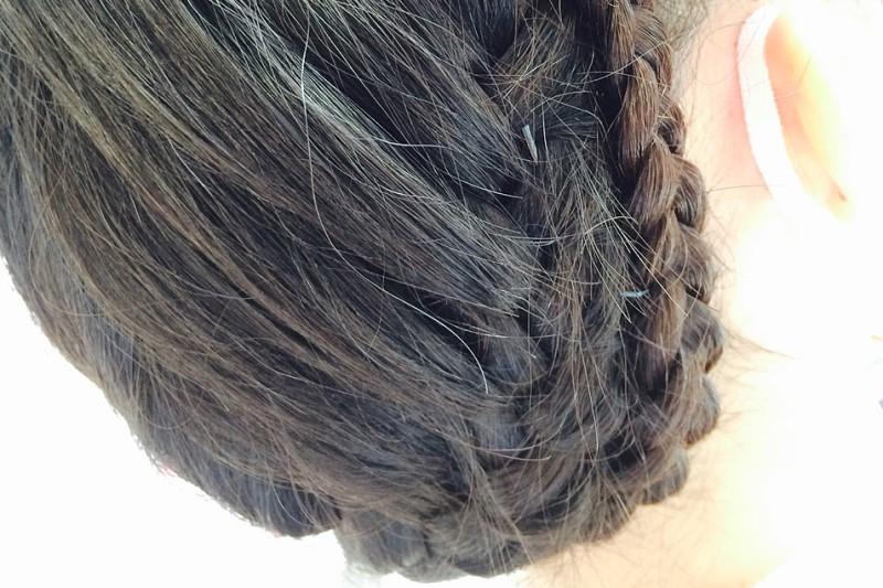 ロープ編みのアップヘア